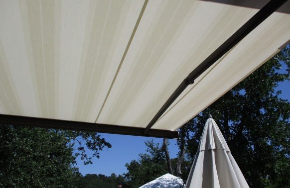 Retractable Awnings installation detail quality