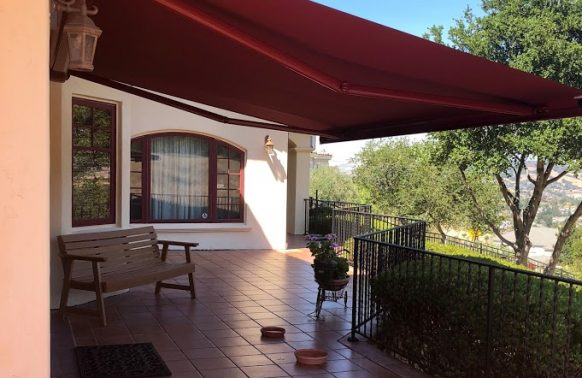 Retractable Awnings installation descreet patio