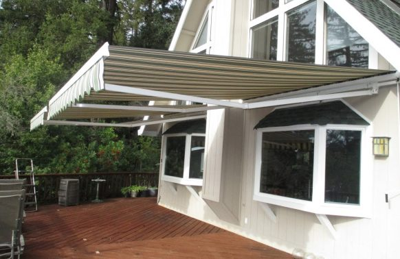 Retractable Awnings installation House