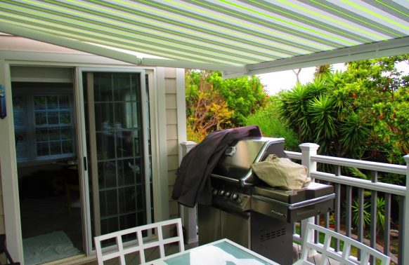 Retractable Awnings installation for terrace privacy