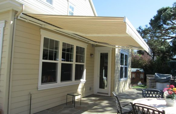 Retractable Awnings Photo