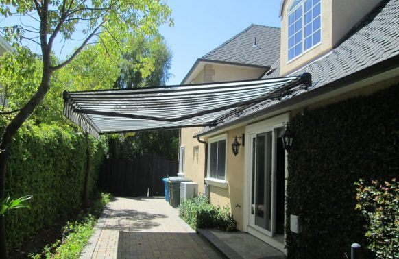 Retractable Awnings Photo House Backyards