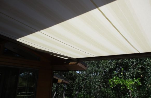 Retractable Awnings installation sunblock